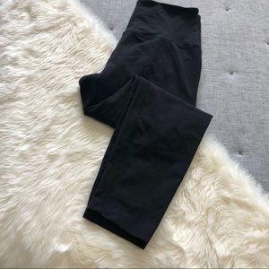 Beyond yoga cropped black high rise leggings sz.L